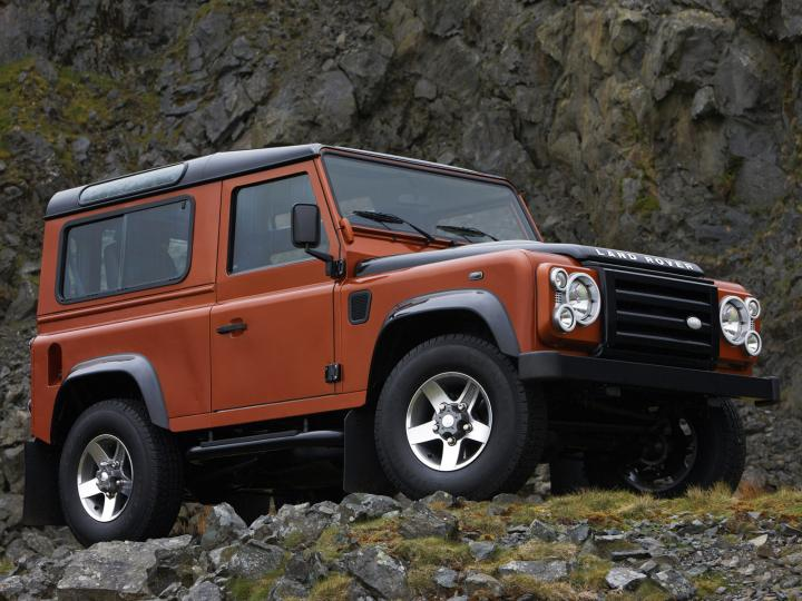 Land_Rover_Defender_Fire_235